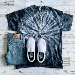 (066) Vintage Black & White Tie Dye Tee